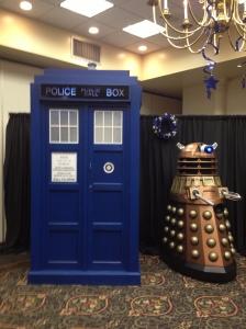 TARDIS and Dalek Con Kasterborous